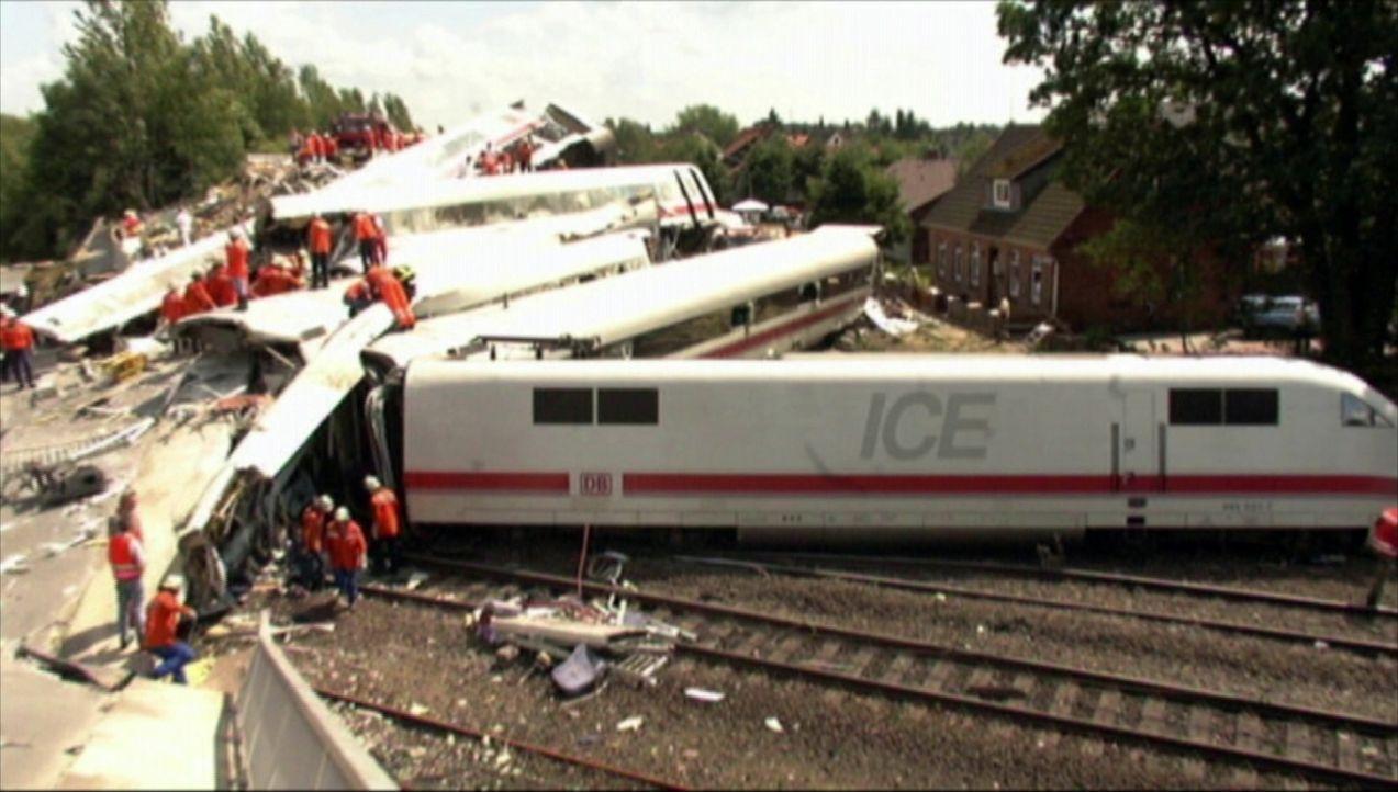 Die größten Tragödien: das Zugunglück von Eschede ... - Bildquelle: kabel eins