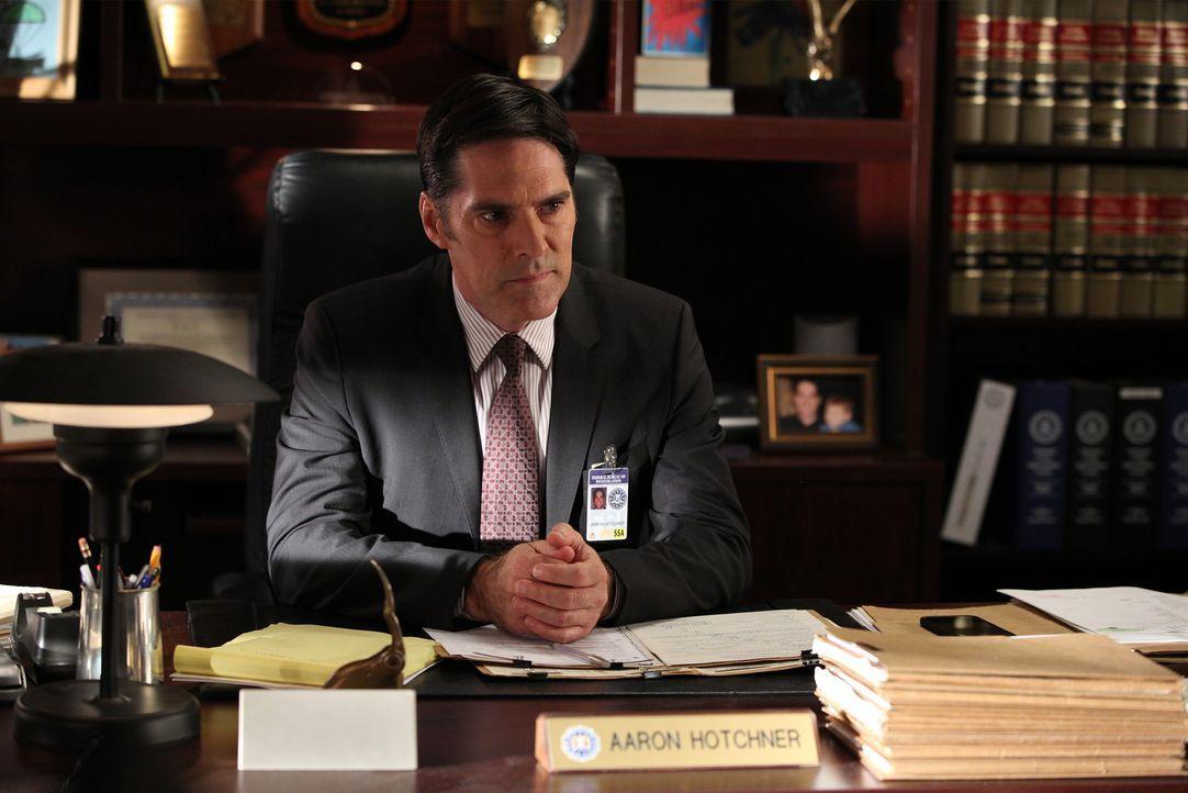 Gemeinsam mit seinem Team versucht er, einen Serienmörder zu fassen: Hotch (Thomas Gibson) ... - Bildquelle: Cliff Lipson 2015 American Broadcasting Companies, Inc. All rights reserved. / Cliff Lipson