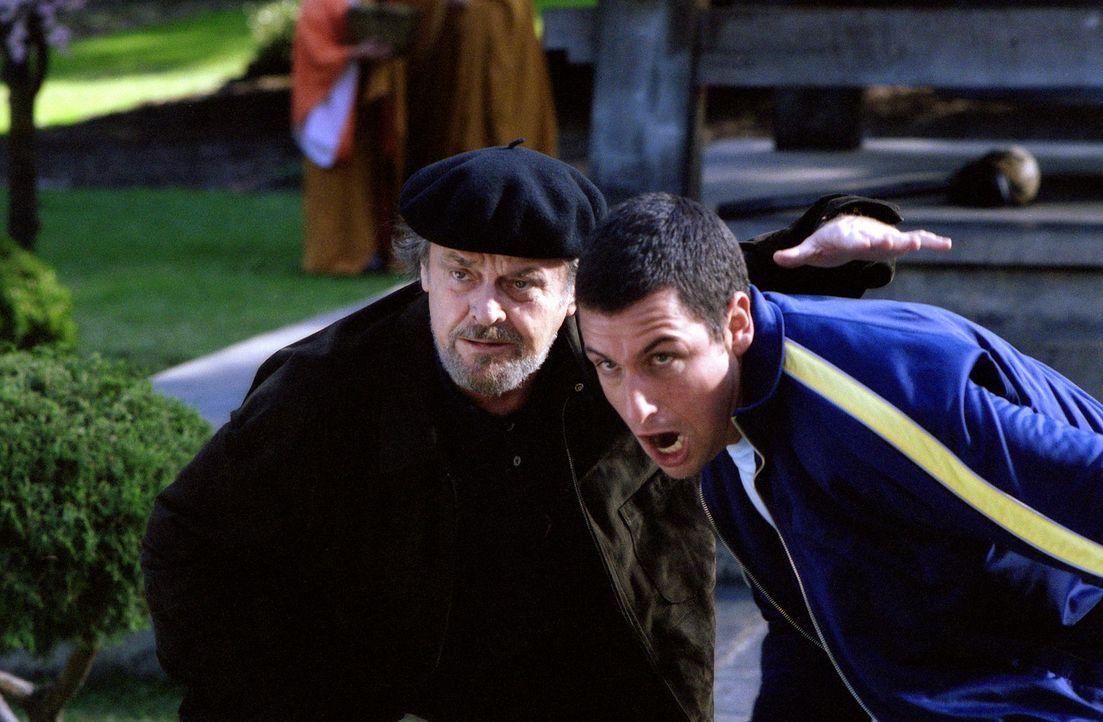 Laut Dr. Rydell (Jack Nicholson, l.) leidet David (Adam Sandler, r.) an AFS - Aggressives Feindseeligkeit Syndrom und besteht deshalb auf eine 20-st... - Bildquelle: 2003 Sony Pictures Television International. All Rights Reserved.