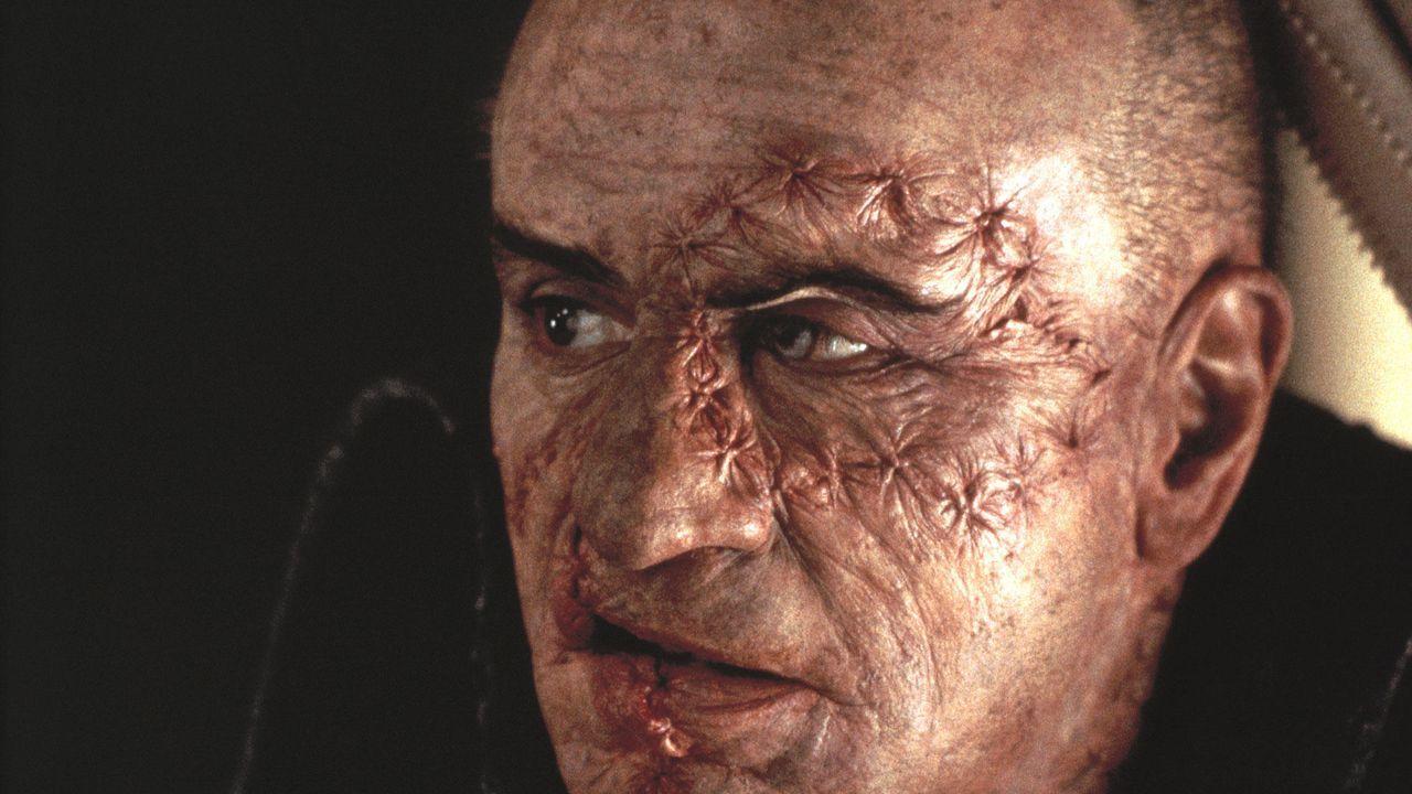 Platz 20: Mary Shelley's Frankenstein - Bildquelle: Columbia Pictures (auf DVD und Blu-ray Disc erhältlich)