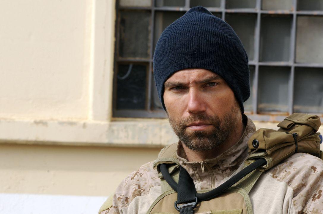 Wird von seinen Armykollegen stets wegen seiner langen Haare gehänselt: Cherry (Anson Mount) ... - Bildquelle: 2012, Falcom Media
