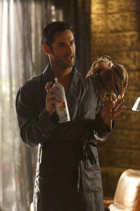 Die ständige Anwesenheit seiner Mutter macht es Lucifer (Tom Ellis) nicht einfach, sein sonst so ausschweifendes (Liebes-)Leben zu führen und das ge... - Bildquelle: 2016 Warner Brothers
