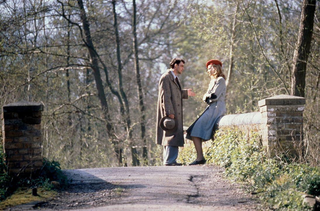 Schon bald wird Tom (Dougray Scott, l.) klar, dass Claire (Saffron Burrows, r.) spurlos verschwunden ist ... - Bildquelle: Senator Film
