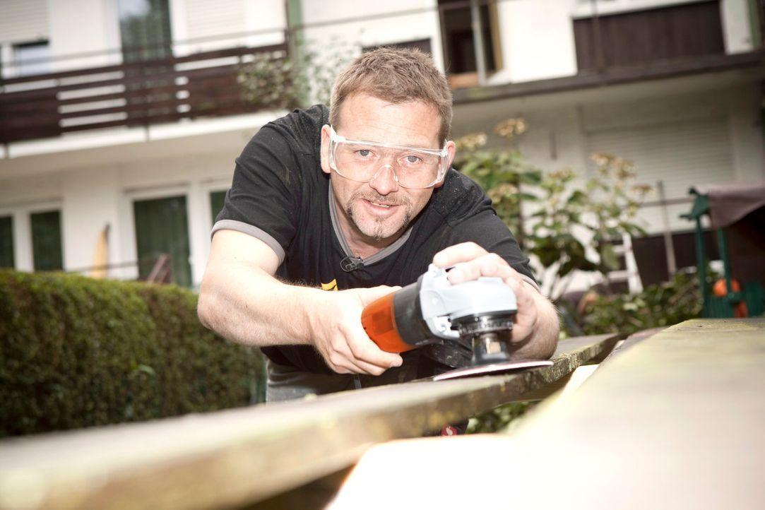Super-Heimwerker Ken steht frustrierten Hobby-Bastlern mit Rat und Tat zur Seite. - Bildquelle: Benedikt Müller kabel eins