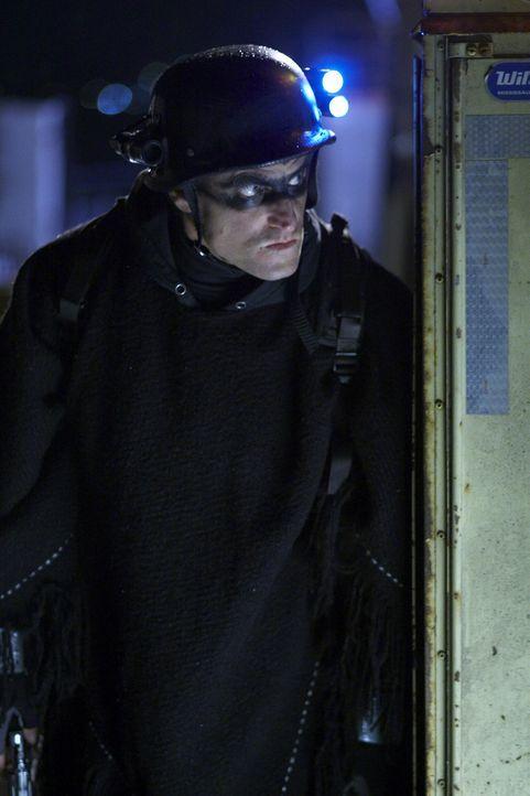 Getarnt als Superheld namens Defendor legt sich der harmlose, aber etwas einfältige Arthur Poppington (Woody Harrelson) mit den Bösewichten der Welt... - Bildquelle: 2009 Darius Films Inc. All Rights Reserved.