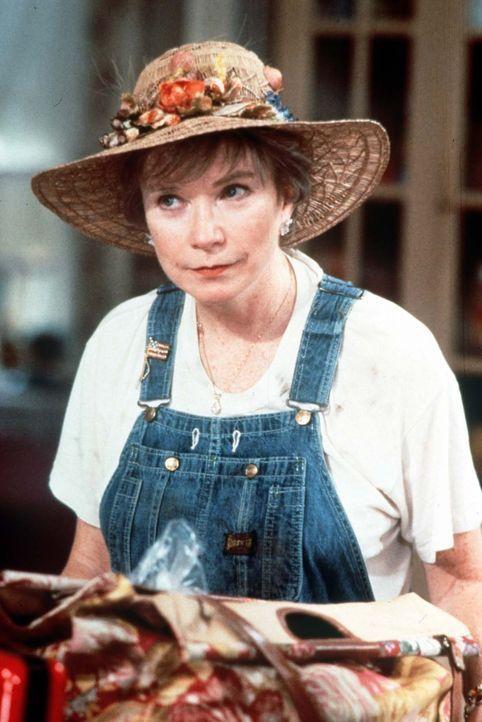 Selbst die etwas verschrobene Ouiser Boudreaux (Shirley MacLaine) gehört zur Frauenclique im Friseur- und Kosmetiksalon von Chinquapin ... - Bildquelle: TriStar Pictures