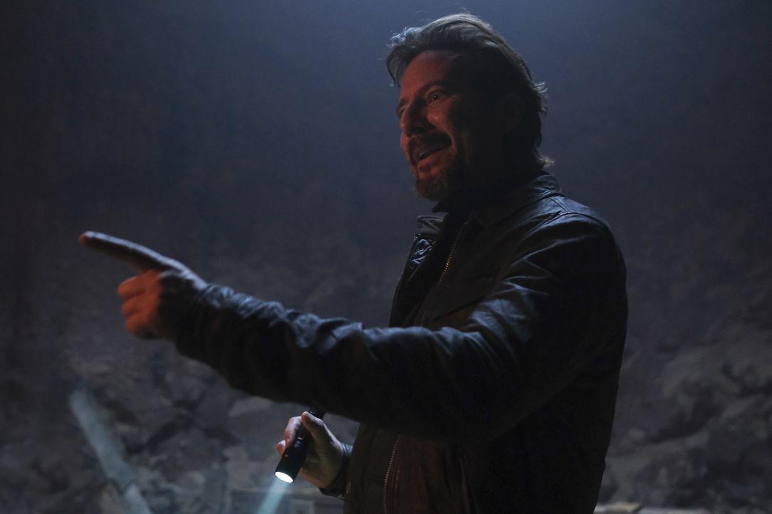 Russ Taylor (Henry Ian Cusick) - Bildquelle: Mark Hill 2020 CBS Broadcasting, Inc. All Rights Reserved. / Mark Hill