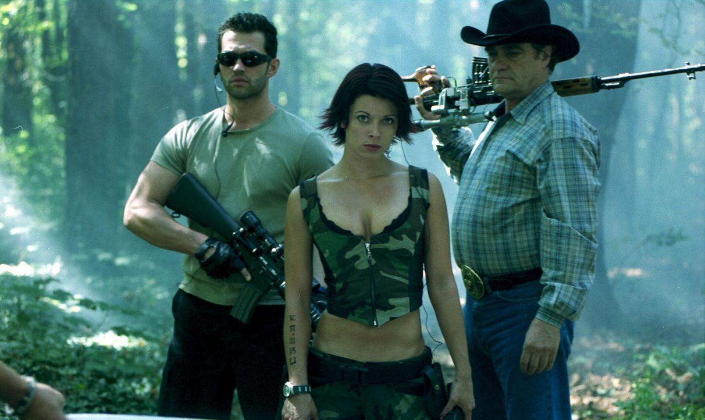 Jagt eine gewaltige Python, die in die USA von verantwortungslosen Geschäftsleuten zum Zwecke des exotischen Jagdvergnügens eingeführt wurde: Eve (A... - Bildquelle: Sony Pictures Television International. All Rights Reserved.