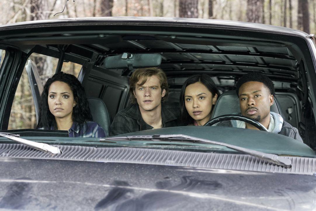 (v.l.n.r.) Riley Davis (Tristin Mays); MacGyver (Lucas Till); Desi (Levy Tran); Wilt Bozer (Justin Hires) - Bildquelle: Jace Downs 2019 CBS Broadcasting, Inc. All Rights Reserved / Jace Downs