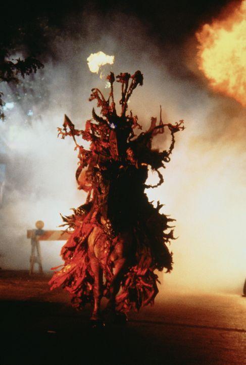 """Der finstere """"Rote Ritter"""", Symbol der Zerstörung, erscheint immer dann, wenn Parrys Leben sich zum Guten wendet ... - Bildquelle: TriStar Pictures"""