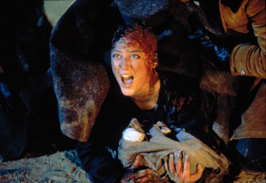 Bis jetzt hielt Helen (Virginia Madsen) die Geschichten über den Candyman für ein modernes Schauermärchen - bis er sie in seine Welt jenseits der Re... - Bildquelle: TriStar Pictures