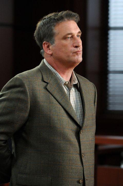 Wird der zynische Moe Kitchener (Daniel Baldwin) wieder auf freien Fuß gesetzt? - Bildquelle: Warner Bros. Television