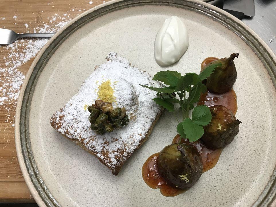 Auf Mels Speisekarte haben sich neben dem typischen Gyros auch das allseits beliebte Schnitzel und die Currywurst verirrt. Gastro-Experte Frank Rosi... - Bildquelle: kabel eins