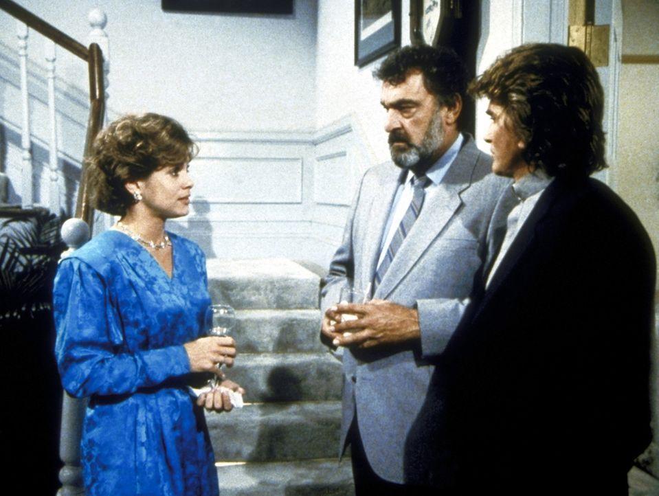 Trish (Ann Howard, l.) erklärt Mark (Victor French, M.) und Jonathan (Michael Landon, r.), dass sie nicht heiraten möchte, weil sich ihre Eltern u... - Bildquelle: Worldvision Enterprises, Inc.