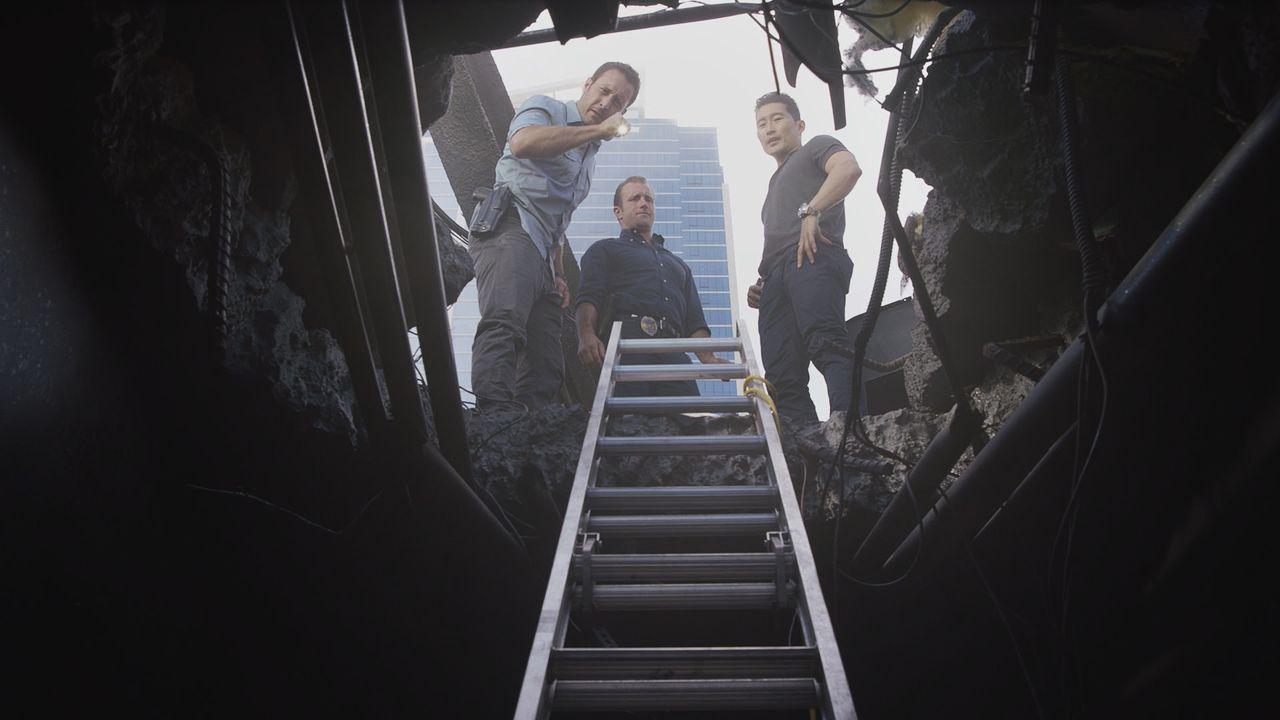Max bereitet sich auf seinen Abschied vor, während das Team einen Mordfall untersucht, der sich während einer Polizeiveranstaltung auf der Insel zug... - Bildquelle: Norman Shapiro 2016 CBS Broadcasting, Inc. All Rights Reserved / Norman Shapiro