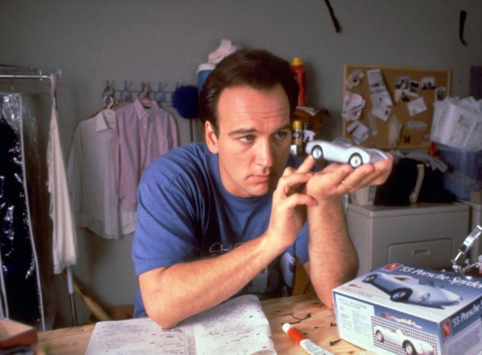 Larry Burrows (James Belushi) ist Büroangestellter und vom Alltagstrott mehr als gelangweilt ... - Bildquelle: Touchstone Pictures