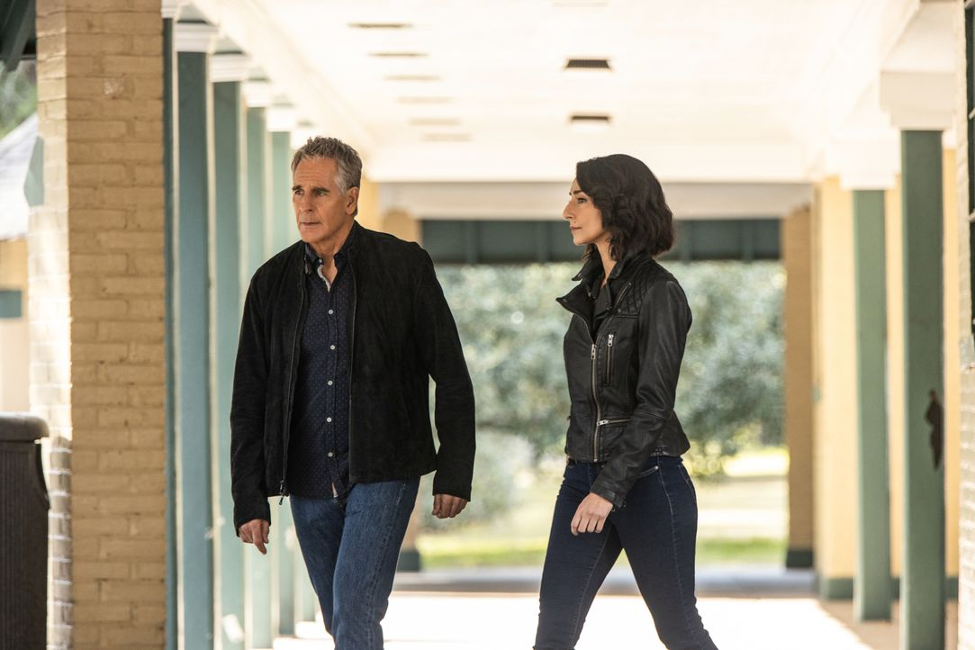 Dwayne Pride (Scott Bakula, l.); Special Agent Hannah Khoury (Necar Zadegan, r.) - Bildquelle: Sam Lothridge 2019 CBS Broadcasting Inc. All Rights Reserved. / Sam Lothridge