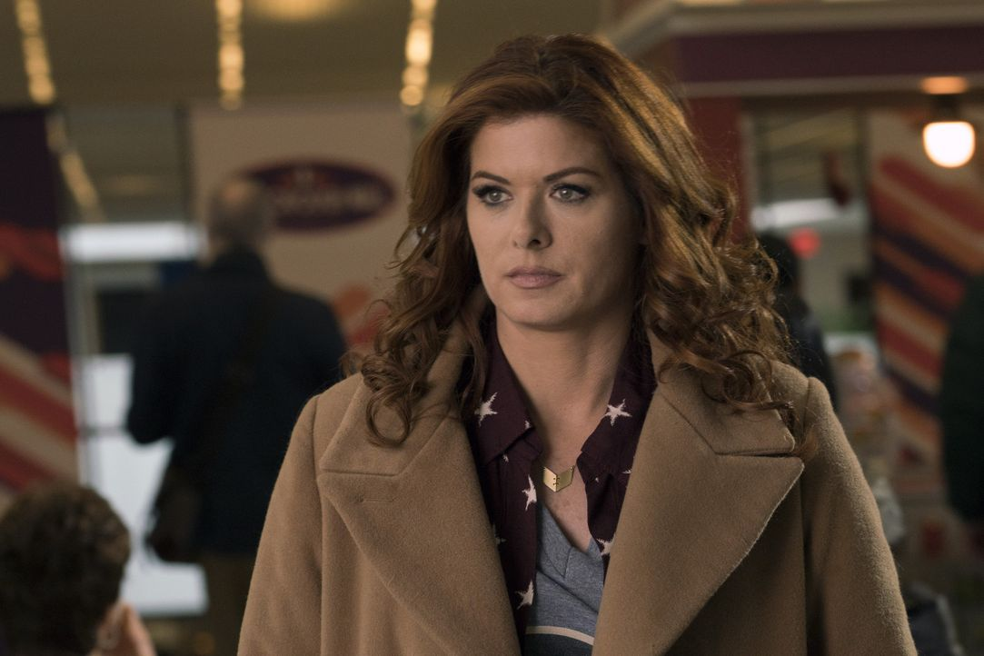 Muss schockiert feststellen, dass ihre Halbschwester Lucy eine Verdächtige in einem Mordfall ist: Laura (Debra Messing) ... - Bildquelle: 2016 Warner Bros. Entertainment, Inc.
