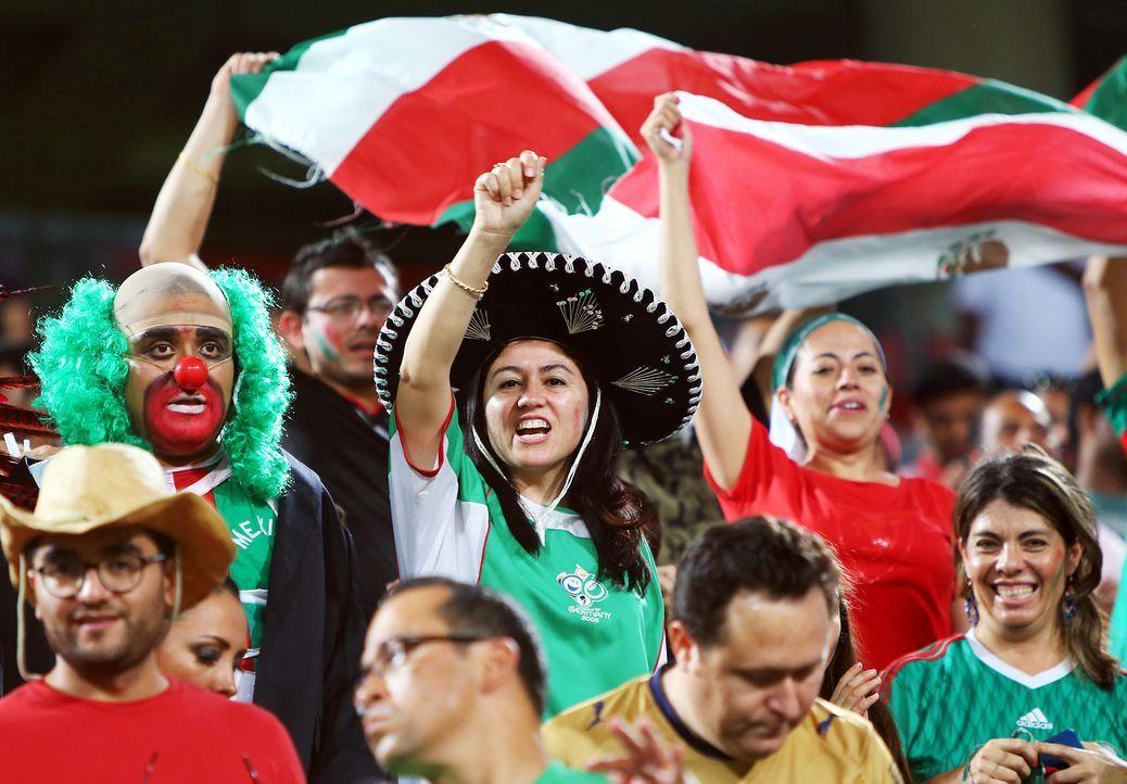 Fussball-Fans-Mexiko-131108-AFP - Bildquelle: AFP