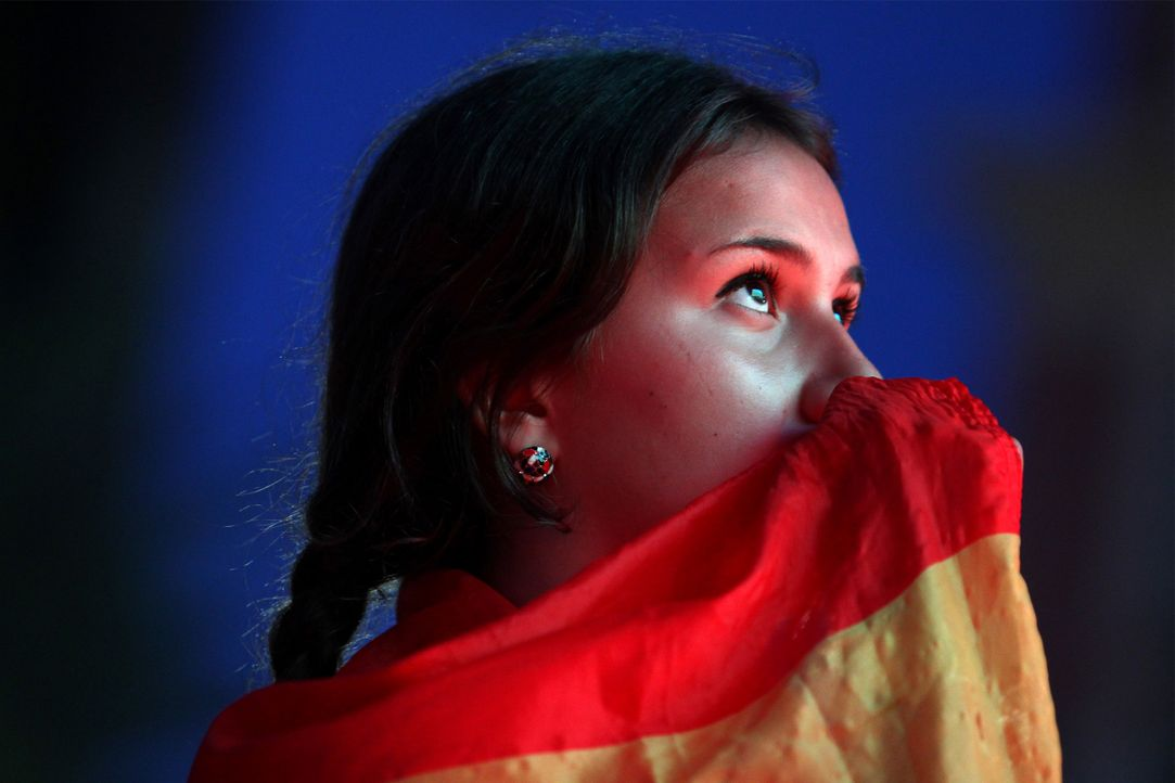 Spain_beauty_fan_JEAN CHRISTOPHE MAGNENET_AFP - Bildquelle: AFP / JEAN CHRISTOPHE MAGNENET