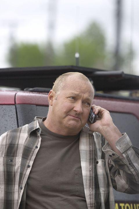 Als sich ungeahnt starke Tornados Richtung Oklahoma bewegen, muss Tornado Tommy (Randy Quaid) ran und seinem Namen Ehre machen ... - Bildquelle: Hallmark Entertainment