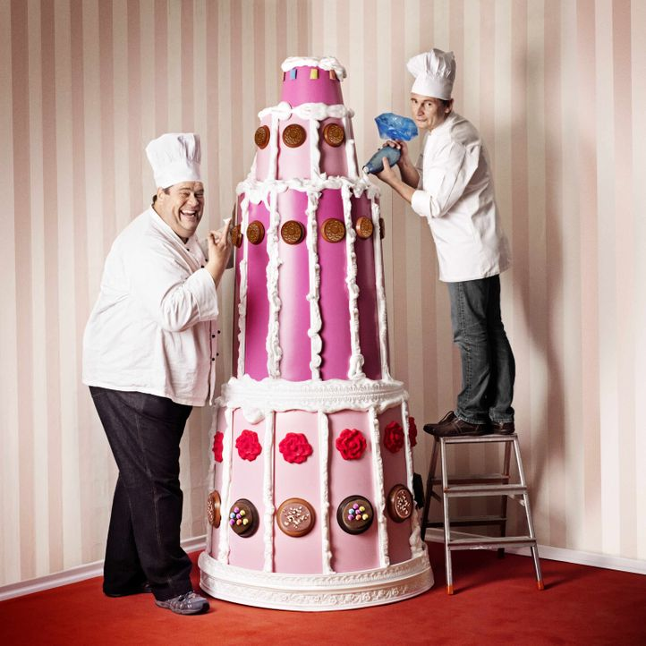 Die Hamburger Originale Frank Steidl (r.) und Thomas Horn (l.) sind Konditormeister der Extraklasse. Ihre Spezialität: Mega-Torten. - Bildquelle: kabel eins