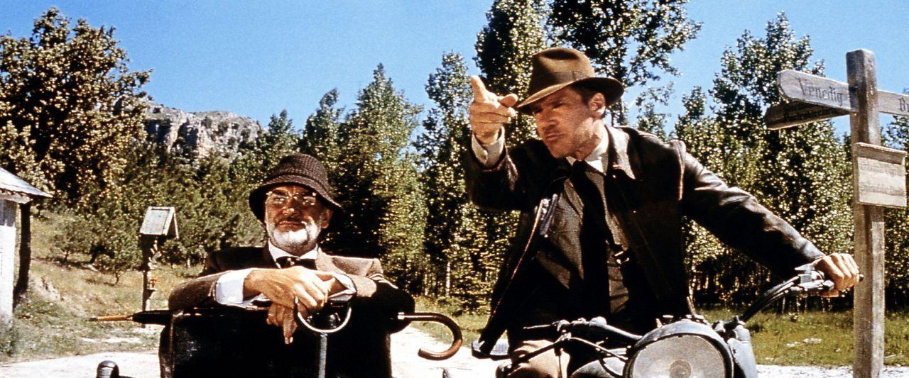 """Zwischen Henry Jones (Sean Connery, l.) und """"Junior"""" (Harrison Ford, r.) bahnt sich ein Vater-Sohn-Konflikt an: Indy will nach Iskenderun, um den Gr... - Bildquelle: Paramount Pictures"""