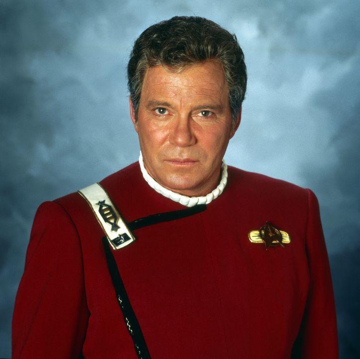 James T. Kirk (William Shatner), der Kapitän der Enterprise, wird das Opfer eines Komplotts ... - Bildquelle: Paramount Pictures