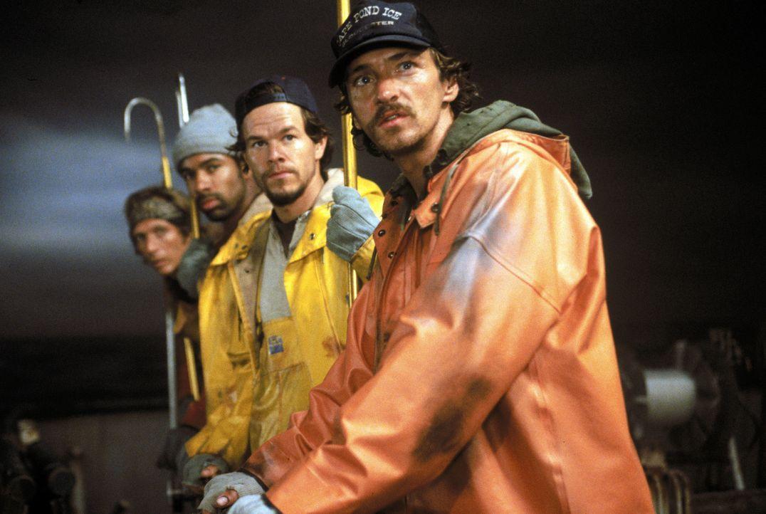 Die Gefahr vom Sturm und Wellen auf hoher See ist ihr Alltag, für einen erfolgreichen Fischzug geben Sie alles- die Schwertfischer vom Gloucester ri... - Bildquelle: Warner Bros. Pictures