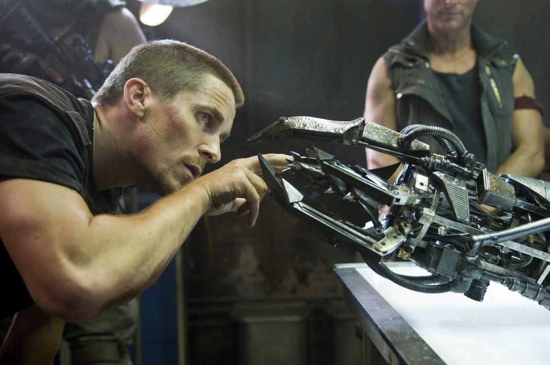 Ahnt nicht, dass die Maschinen ihm eine gefährliche Falle stellen wollen: John Connor (Christian Bale) ... - Bildquelle: 2009 T Asset Acquisition Company, LLC. All Rights Reserved.