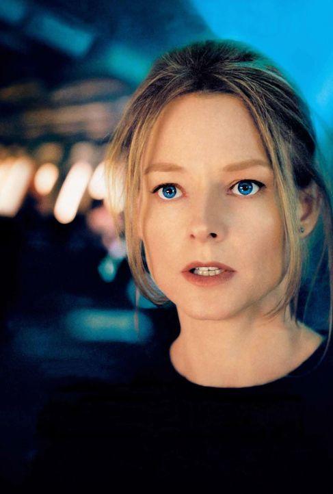 Auf ihr Drängen hin wird das ganze Flugzeug nach ihrer Tochter durchsucht. Kyle (Jodie Foster) wird dennoch das Gefühl nicht los, dass sie weder vom... - Bildquelle: Touchstone Pictures.  All rights reserved