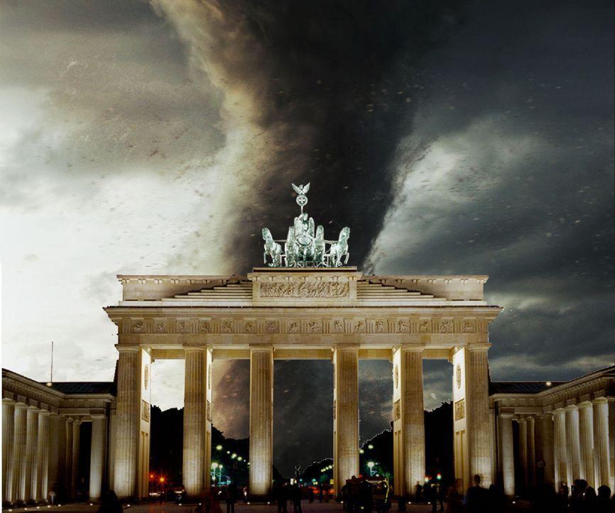 Hitzewelle in Berlin. Während die Bevölkerung noch den lauen Sommerabend auf den Straßen genießt, geschieht das Unmögliche: Ein Tornado rast au... - Bildquelle: Conny Klein ProSieben