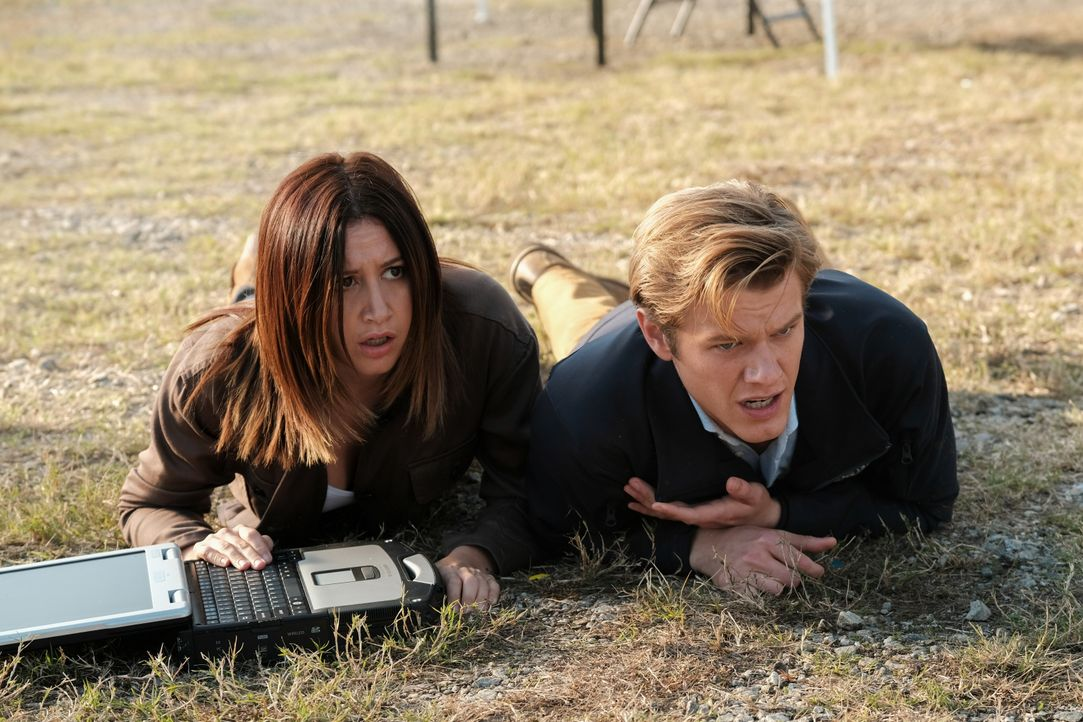 (v.l.n.r.) Allie (Ashley Tisdale); Angus MacGyver (Lucas Till) - Bildquelle: Guy D'Alema CBS © 2017 CBS Broadcasting, Inc. All Rights Reserved. / Guy D'Alema