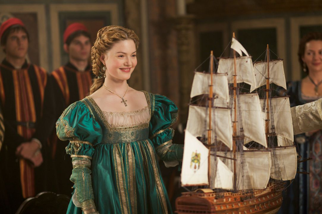 Entscheidet sich nicht ohne Grund für Calvino Pallavicini, den Bruder von Raffaello: Lucrezia Borgia (Holliday Grainger) ... - Bildquelle: Jonathan Hession LB Television Productions Limited/Borgias Productions Inc./Borg Films kft/ An Ireland/Canada/Hungary Co-Production. All Rights Reserved.