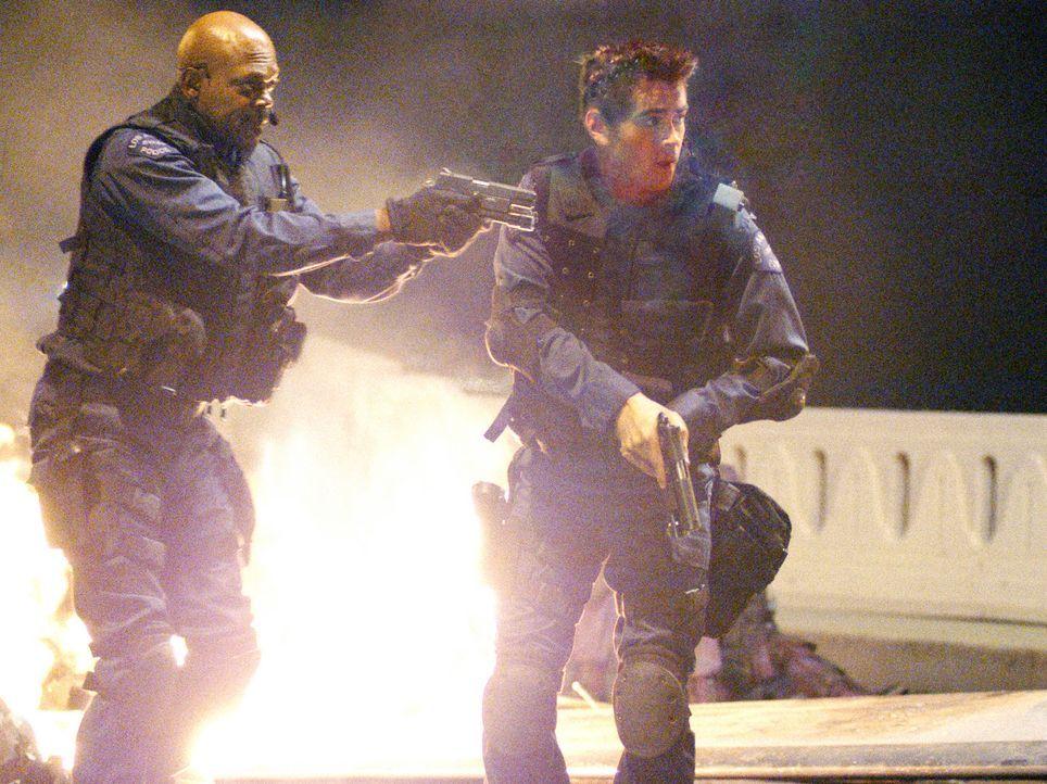 Sie sind die Besten der Besten! Das legendäre S.W.A.T.-Team der Polizei von L.A. wird als Eingreiftruppe bei dramatischen Verbrechen hinzugezogen.... - Bildquelle: 2004 Sony Pictures Television International. All Rights Reserved.
