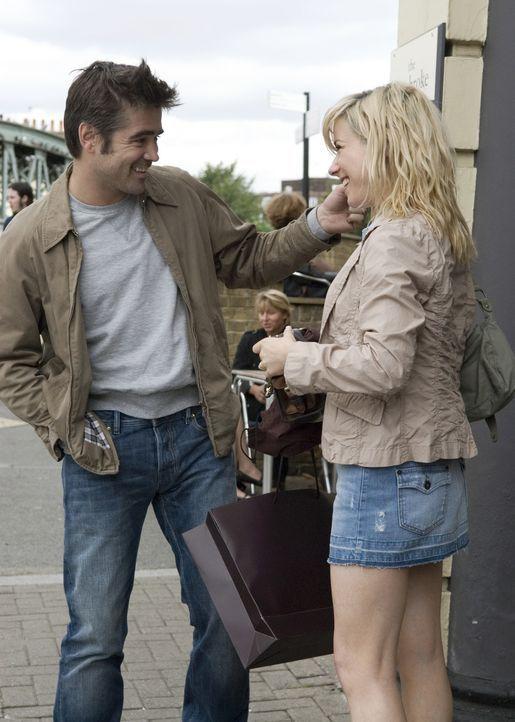 Terry (Colin Farrell, l.) und Kate (Sally Hawkins, r.) sind schon sehr lange zusammen. Doch nach und nach merkt sie, dass er sich verändert. Seine... - Bildquelle: Constantin Film
