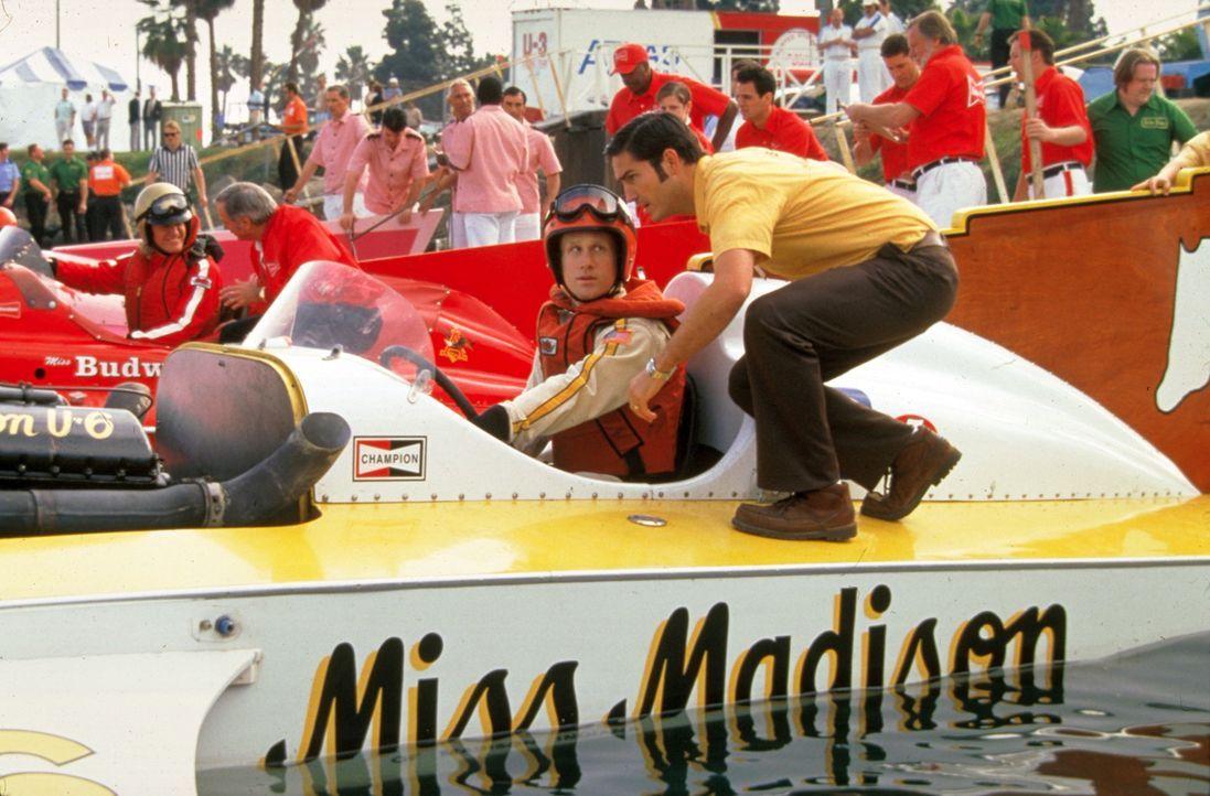 Der große Moment steht kurz bevor: Jim (James Caviezel, r.) gibt Skip (Reed Edward Diamond, l.) noch ein paar wichtige Tipps. - Bildquelle: Metro-Goldwyn-Mayer Studios Inc. All Rights Reserved.