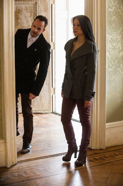 Werden sie Moriarty überführen können? Sherlock Holmes (Jonny Lee Miller, l.) und Joan Watson (Lucy Liu, r.) ... - Bildquelle: CBS Television