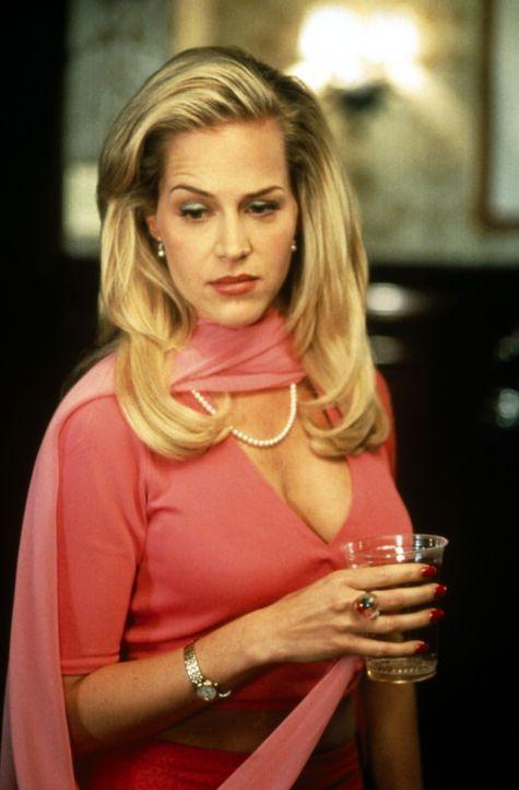 Will endlich wissen, wer der Killer hinter der Gummimaske ist: Barbara (Julie Benz) ... - Bildquelle: USA Network Inc.