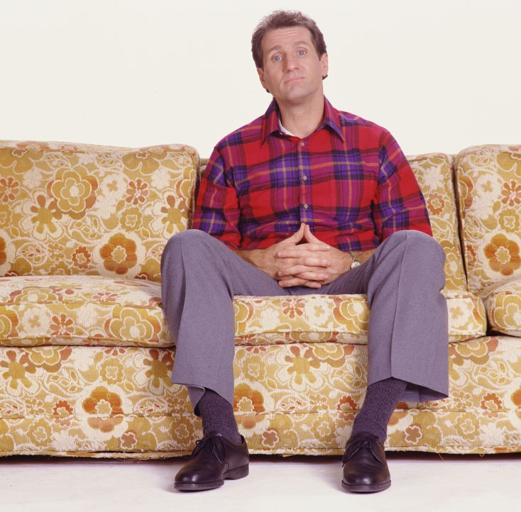 (2. Staffel) - Am liebsten sitzt der Schuhverkäufer Al Bundy (Ed O'Neill) auf seiner Couch ... - Bildquelle: 1987 Embassy Communications. All Rights Reserved.