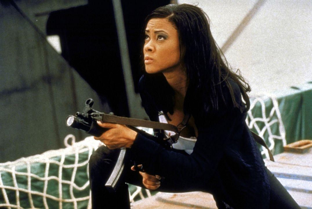 Im Kampf gegen die Russen-Mafia: Agentin Karen (Lela Rochon) ... - Bildquelle: TriStar Pictures