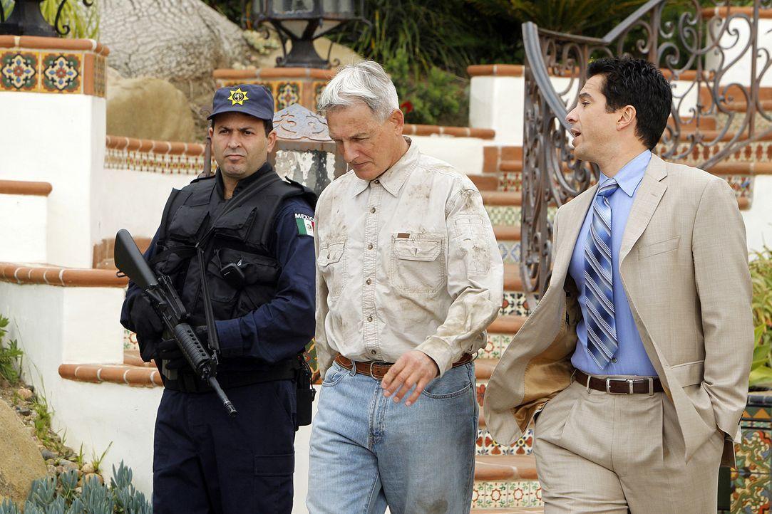 Gibbs (Mark Harmon, M.) soll für das Reynosa-Kartell arbeiten, sonst, so droht ihm Paloma Reynosa, sterben alle Menschen, an denen ihm etwas liegt.... - Bildquelle: CBS Television
