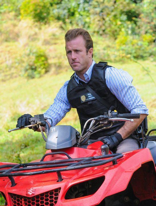 Bei den Ermittlungen in einem neuen Fall: Danny (Scott Caan) ... - Bildquelle: 2013 CBS Broadcasting, Inc. All Rights Reserved.