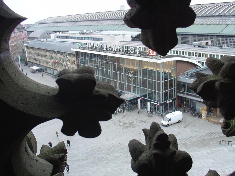 Er ist die beliebteste Sehenswürdigkeit Deutschlands und eines unserer größten Wahrzeichen: der Kölner Dom. Der 7.000 Quadtratmeter große Platz... - Bildquelle: kabel eins