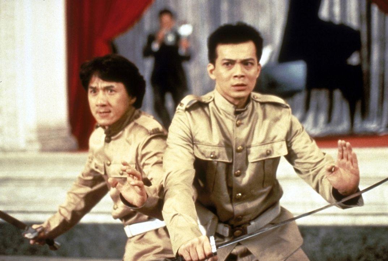 Wong Fei-Hong (Jackie Chan, l.) im Kampf gegen skrupellose Kunstschmuggler ... - Bildquelle: Miramax Films
