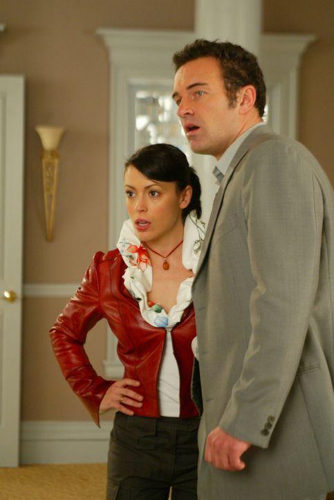 Was für Phoebe (Alyssa Milano, l.) nach einer simplen Pechsträhne aussieht, ist in Wirklichkeit ein neuer Plan von Cole (Julian McMahon, r.) ... - Bildquelle: Paramount International Television