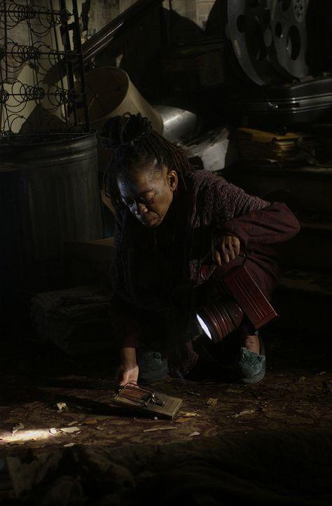 In einem alten Haus sucht Kathleen Burke (Deneen Tyler) Zuflucht. Sie ahnt nicht, dass ihr ein Killer auf den Fersen ist, der einige Organe von ihr... - Bildquelle: Tele München Gruppe