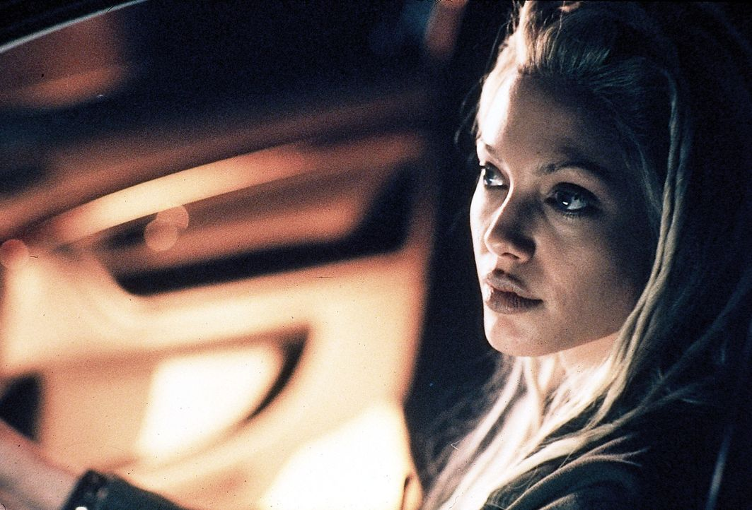 Sara (Angelina Jolie) weiß genau, wie man Autos knackt ohne Spuren zu hinterlassen ... - Bildquelle: Touchstone Pictures
