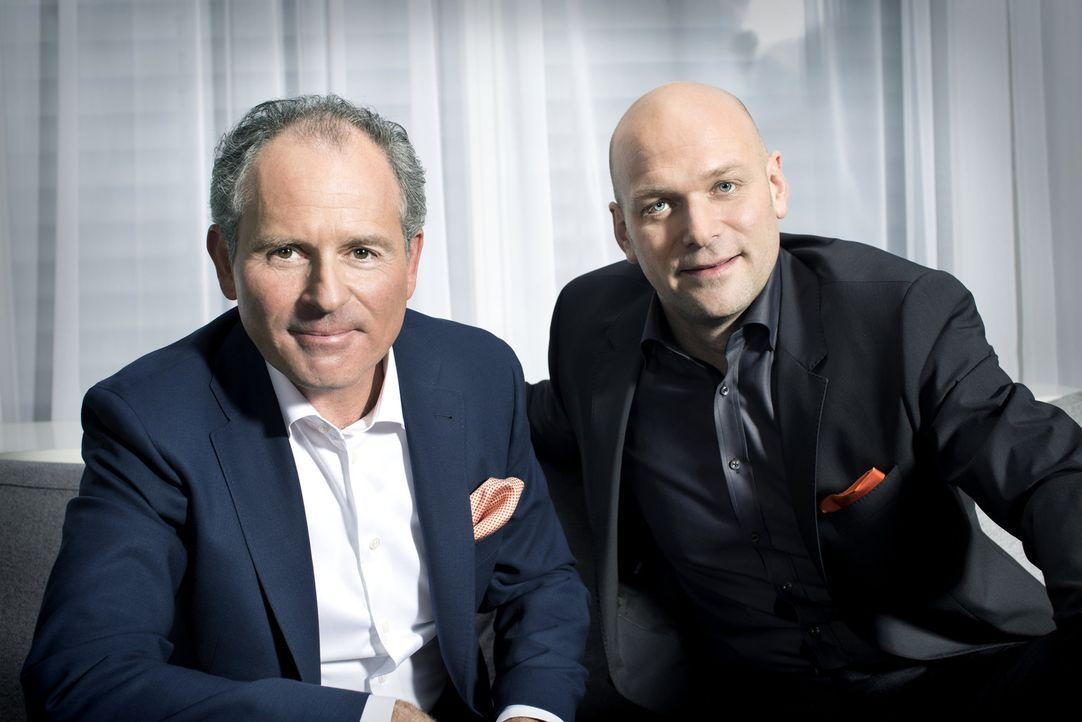 Wer wird es schaffen, die Investoren Carsten Gerlach (l.) und Torsten Petersen (r.) mit seiner Gastro-Idee zu überzeugen und damit das nötige Startk... - Bildquelle: Andreas Franke kabel eins