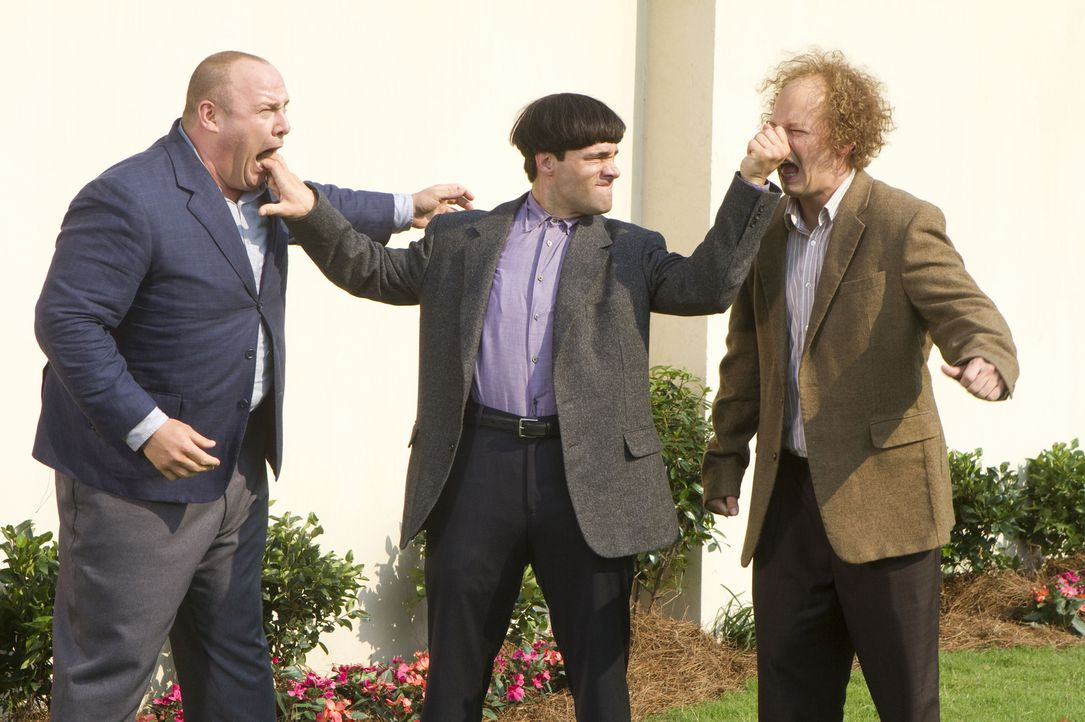 Wie lege ich meine Brüder lahm? (v.l.n.r.) Curly (Will Sasso), Moe (Chris Diamantopoulos) und Larry (Sean Hayes) ... - Bildquelle: Peter Iovino TM and   2012 Twentieth Century Fox Film Corporation.  All rights reserved.